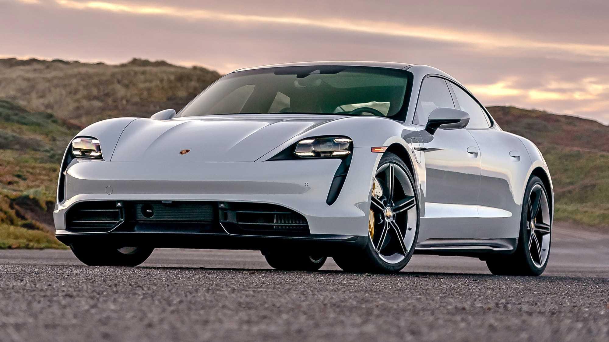 У Porsche визнали перший випадок самозаймання електричного Taycan