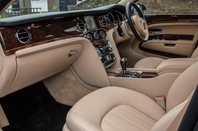 Скільки коштує авто Єлизавети ІІ?