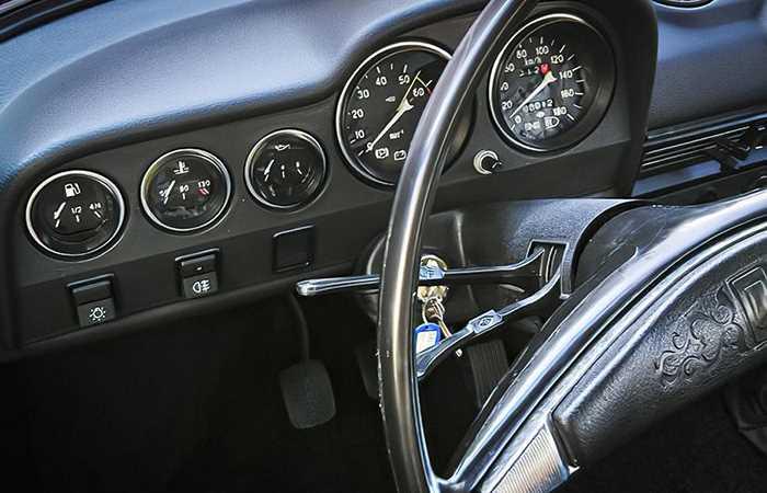 Як виглядає виставлений на продаж ВАЗ-2106 за ціноюBMW X3
