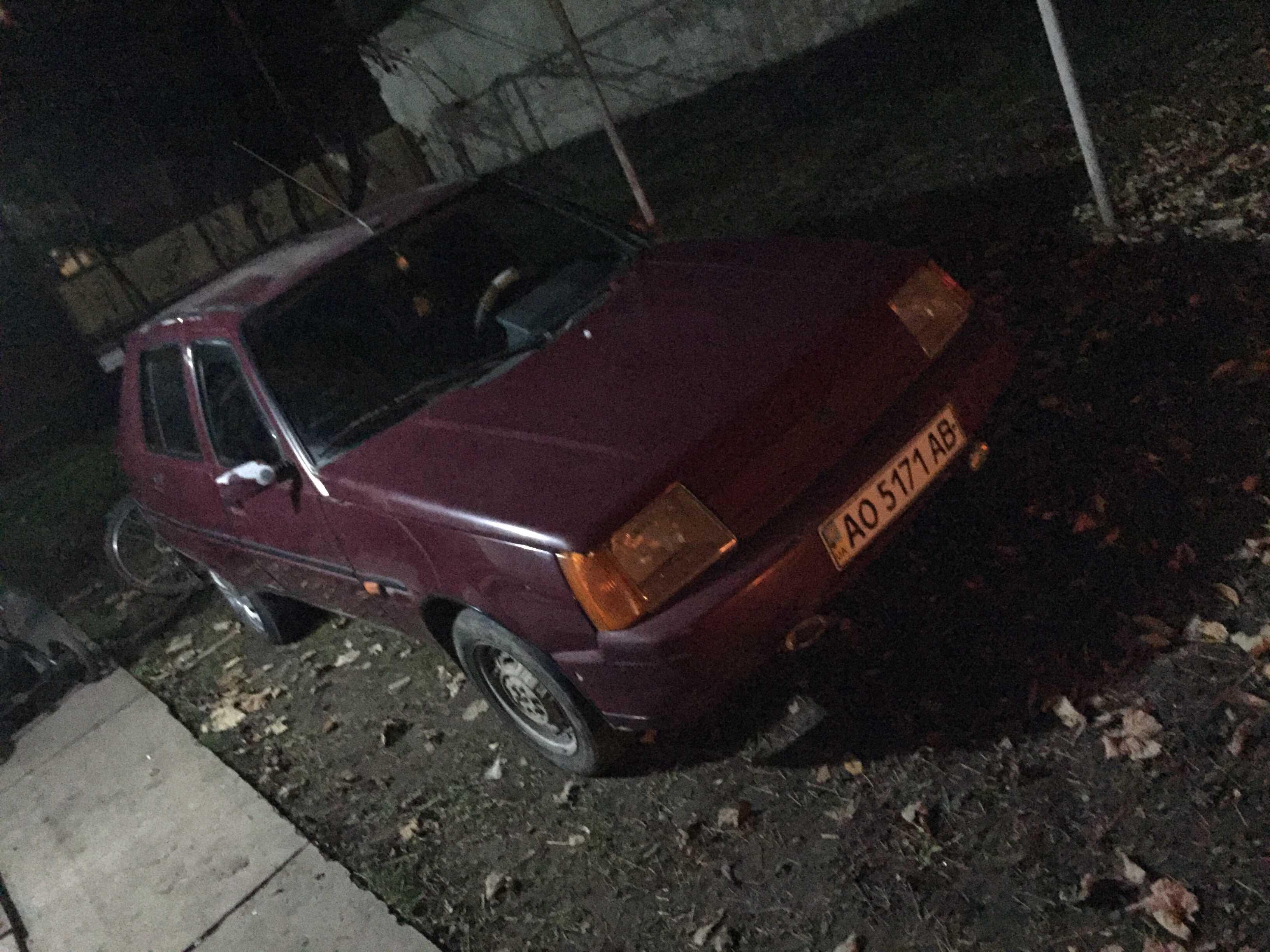 Продаж авто ЗАЗ 1103 2005 р. Бензин  ціна $ 1000 у м. Мука́чево