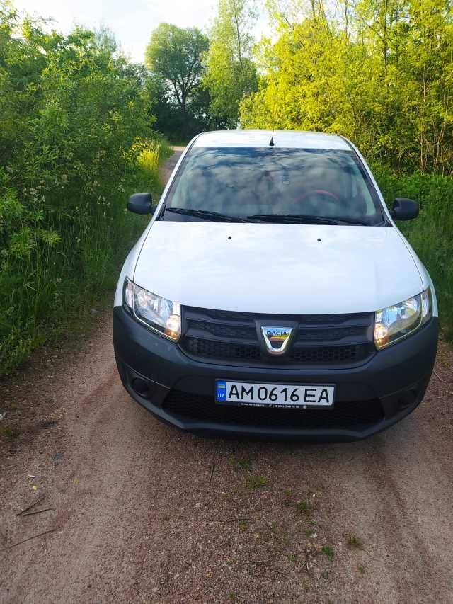 Продаж авто Dacia Sandero 2013 р. Газ/Бензин  ціна $ 5500 у м. Черняхів